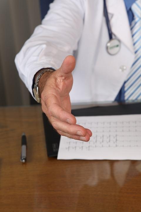 В Марий Эл на скамье подсудимых окажется врач-взяточник