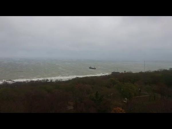 Терпящий бедствие танкер в районе пляжа Дельфин
