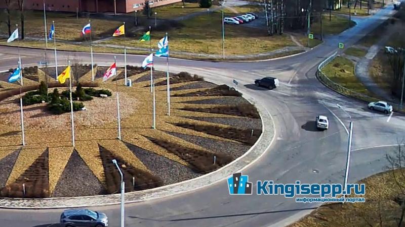 Добрая традиция в Кингисеппе ДТП на кольце Видео момента столкновения с камеры