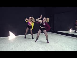 El motorcito remix lirico en la casa feat. de la ghetto, nacho, miky woodz