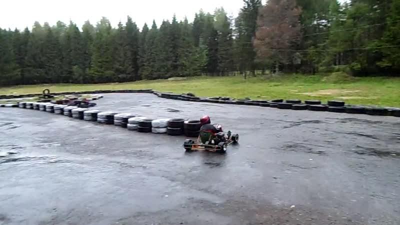 вадим любит дождь( УЧИТЕСЬ СТУДЕНТЫ)!