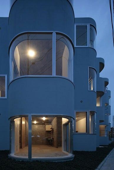Архитекторы Mejiro Studio разработали проект жилого дома в Футю, Токио, Япония.