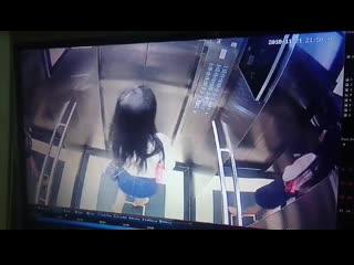 Cctv vietnamese cute girl desperate pee on lift