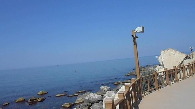 От мыса на Каспийском море с бухты 3 мкр по скальной тропе к 4 А мкр