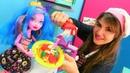 Oyun hamuru ile yemek yapma oyunu. Monster High Gooliope makarna yapıyor
