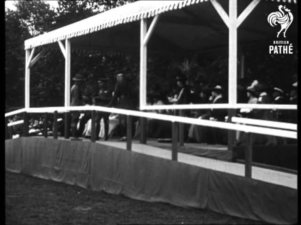 Britain's Scroll Of Fame Royal Investiture In Hyde Park 1914 1918