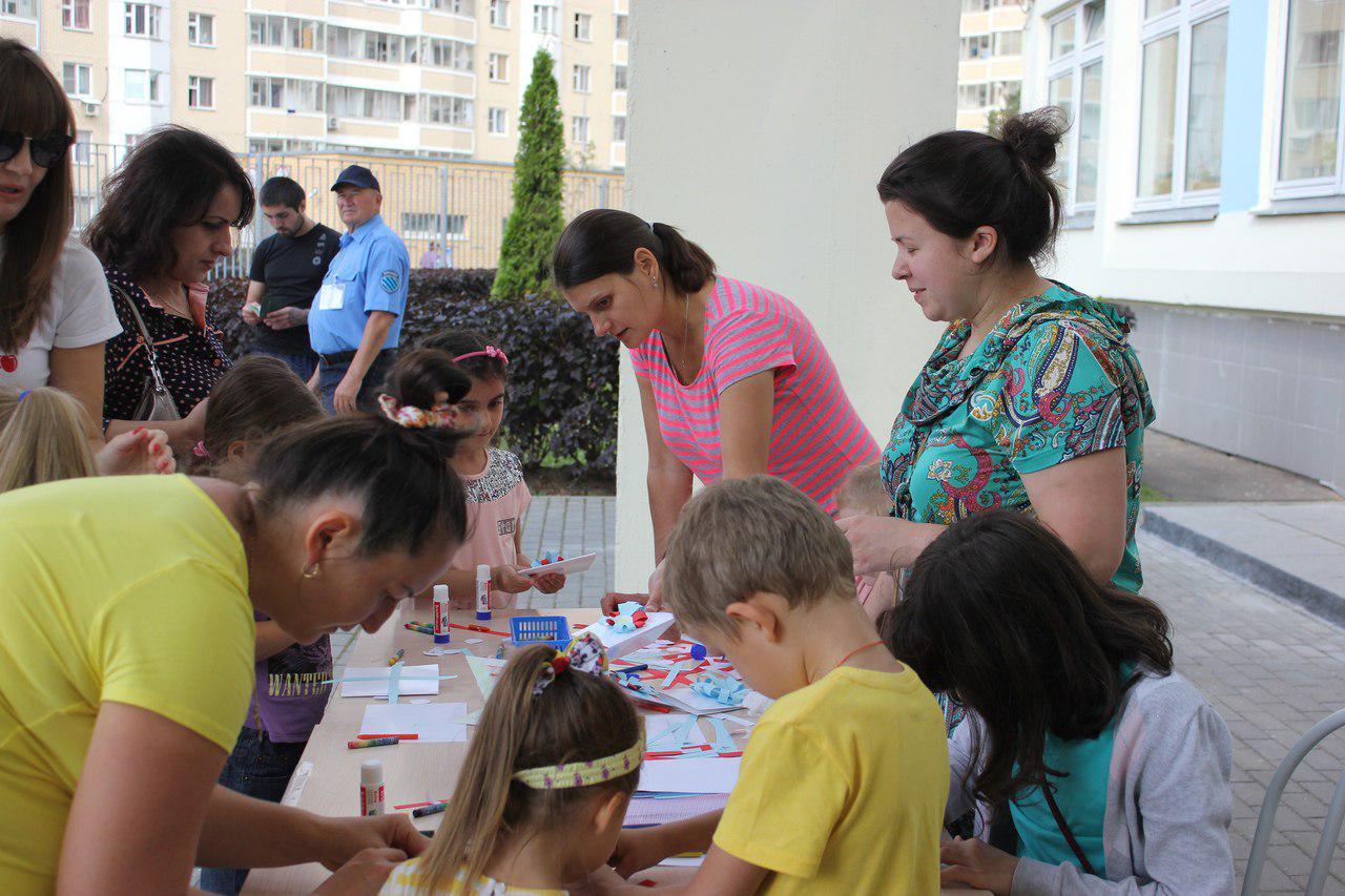 Представители молодежного движения храма в Некрасовке провели мастер-классы в трех школах района