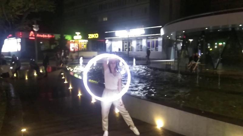 Pixel hoop fountain