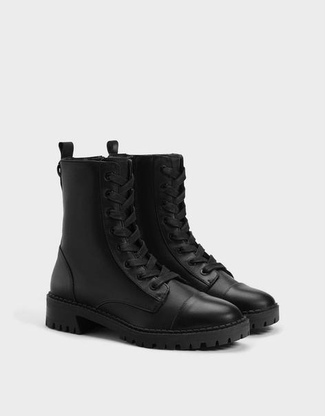 Кожаные ботинки на низком каблуке