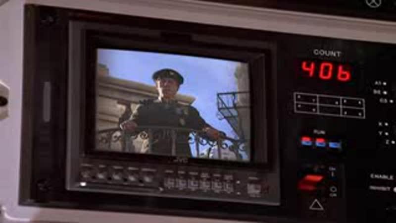 Sliders/Скользящие/Путешествие в параллельные миры. 3 сезон 17 серия. Исход, часть 2. 1995 год