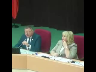 Депутат Николаи  Бондаренко разносит Единую Россию (720p).mp4
