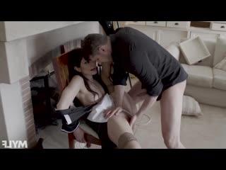 [HD 1080] Valentina Bianco - French Maid MILF Fucker (2020) - порно/секс/домашнее