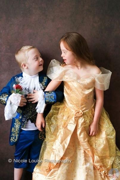 Николь Луиза устроила фотосессию для детей с синдромом Дауна, во время которой они могли побыть на месте героев диснеевских сказок
