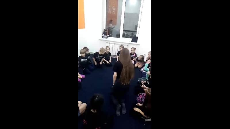 Video 9da6ca90ffe1672b293d2e51b3a5483f