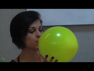 CHICK BLOW TO POP YELLOW BALLOW WITH BLACK HAIR