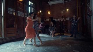 La Tipica Pablo - El Once. Bailan Ines Muzzopappa & Corina Herrera.