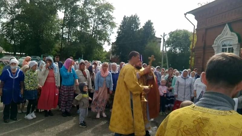 Крестный ход вокруг храма 9 августа 2020 г
