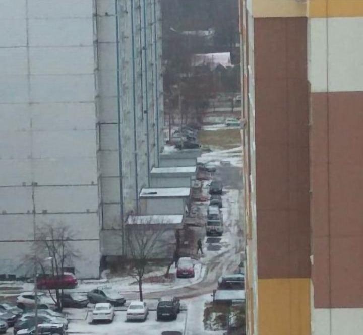 В Ярославле из окна 12-го этажа выпала женщина