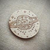 """Брошь """"Pizza Planet"""""""