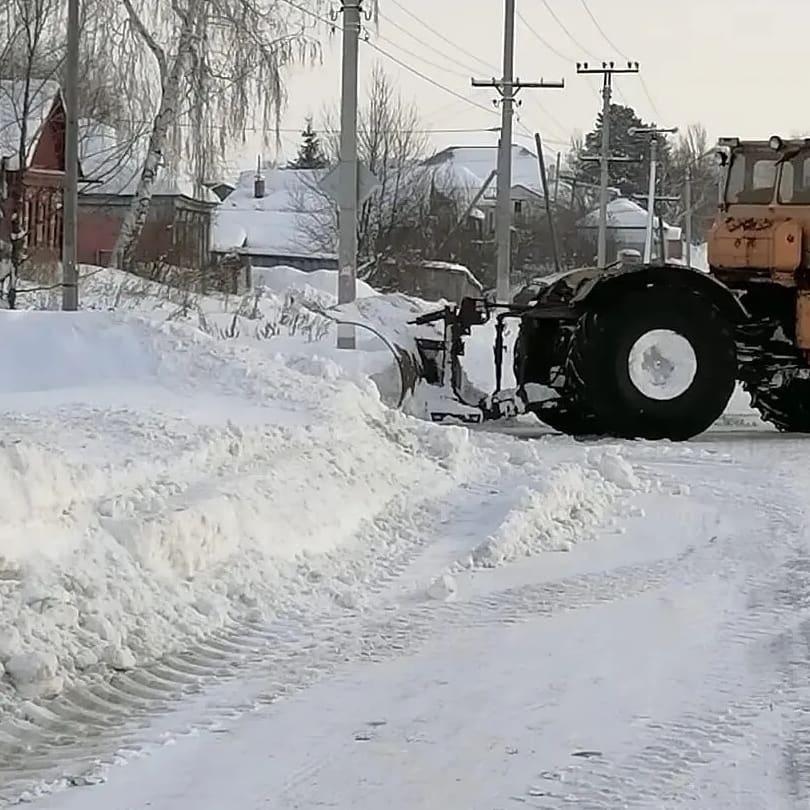 К уборке снега в Петровске и Петровском районе привлечена дополнительная техника