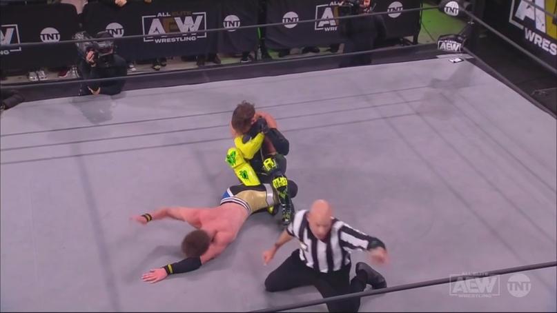 AEW Dynamite и NXT 25.11.20, изображение №3