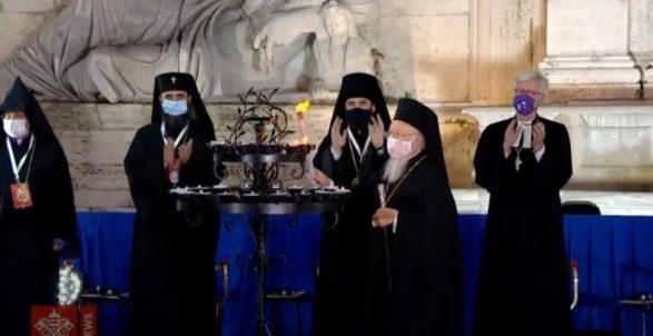 Общий огнь... Епископ РПЦ МП участвует в возжигании светильников лидерами разных религий в Риме