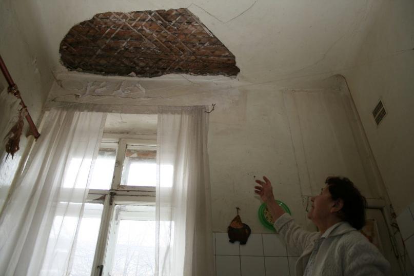 Жительнице Новодвинска пришлось добиваться ремонта крыши своего дома через суд