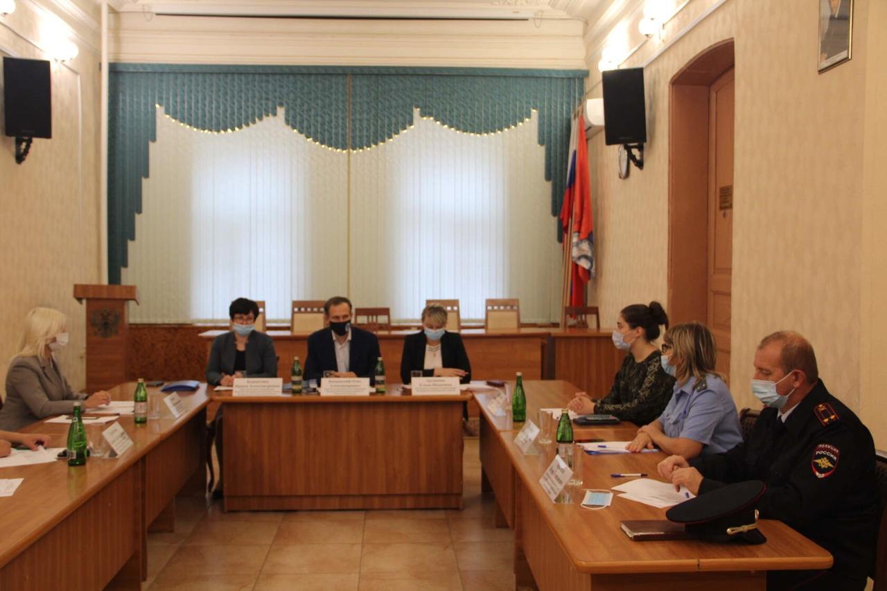 В Петровске обсудили ситуацию с увеличением поступления доходов в бюджет области