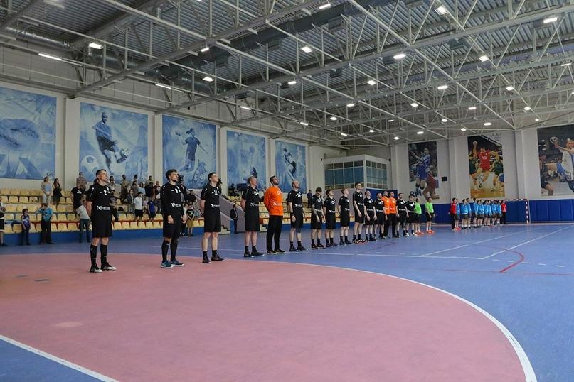 Два школьных зала, два вузовских, два строящихся, два неприкаянных клуба. Где играют в мужской Суперлиге?, изображение №9