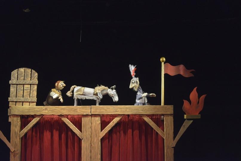 Спектакль «Маленькие трагедии» Мурманского областного театра кукол