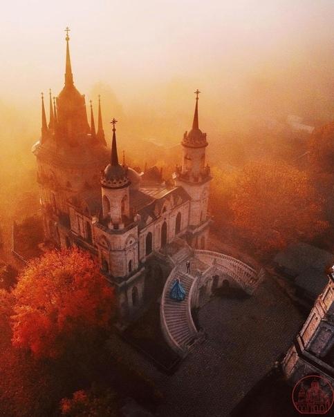 Сказочный рассвет в подмосковном Быково, где находится ун...