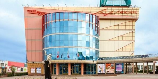 Артисты омского театра станут режиссерами, а бутафоры – художниками