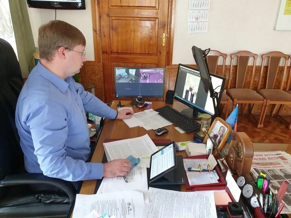 В администрации района в дистанционном формате прошла совместная видеоконференция экспертного совета по устойчивому развитию моногородов