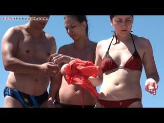 I love the beach. Голые девушки на пляже. Нудисты. Натуристы. Топлес. Сиськи. Грудь. Эротика. Любительское. Скрытая камера (193)
