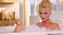 Марго Робби в ванной вам все объяснит Игра на понижение 2015 Момент из фильма
