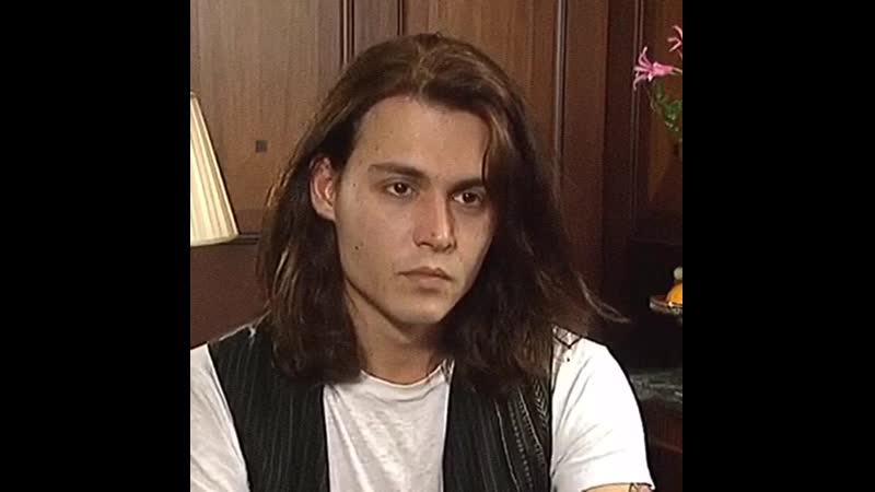 Johnny Depp gets asked about being a sex symbol in a Belgian interview, 1993
