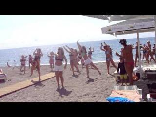 """клубный танец на пляже в отеле Л""""Океаника, Турция, Чамьюва"""