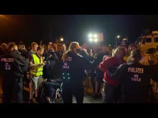 Samuel Eckert - POLIZEI LÖST CAMP AUF !!! -  Aufrufe