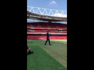 Our new head coach walks out at Emirates Stadium for the very first time - - WelcomeUnai