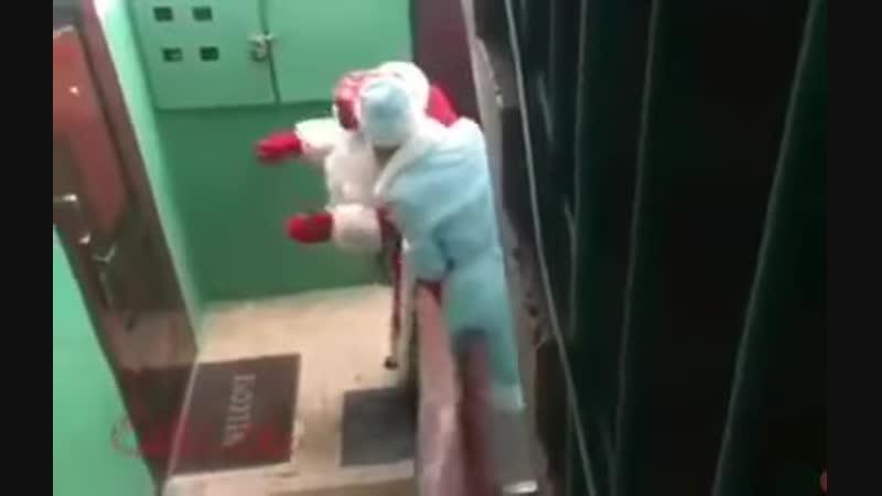 Дедушка Мороз немного подустал