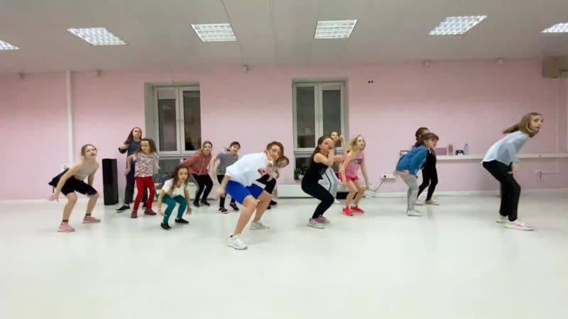 Современная хореография тренер Виктория 🌞